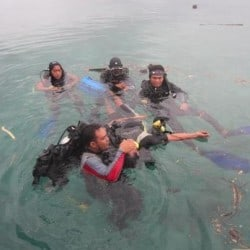 guides getting rescue training bunaken 1FEB13