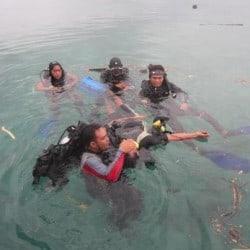 guides getting rescue training bunaken 1FEB13