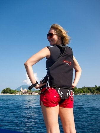 women in sidemount