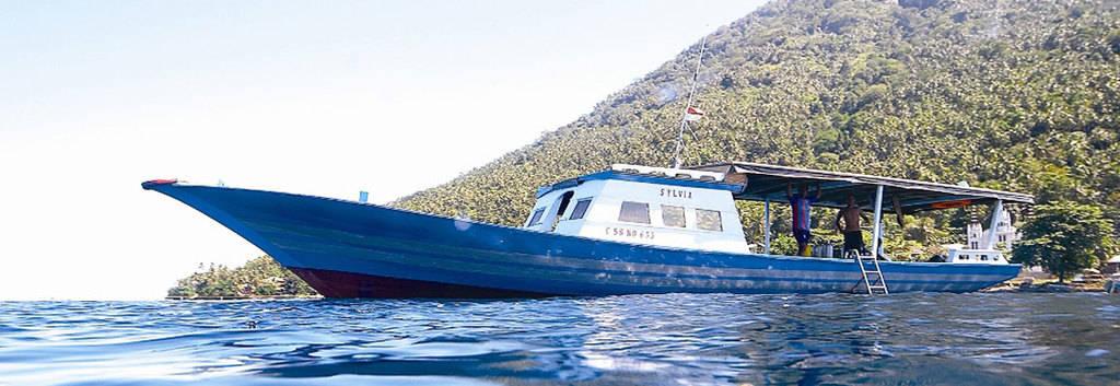 bunaken-boat