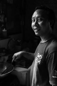 meet komang the chef in lembongan