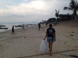 Beach Cleaning Lembongan