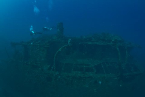 Divers-got-wrecked.jpg