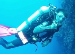 Tech diving student Sing Yi on her second ever twinset dive
