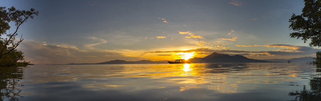 Bunaken panorama - diving in Bunaken
