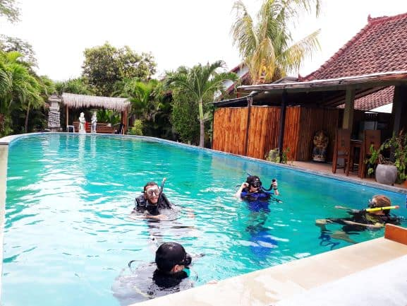 Divemaster training Gili