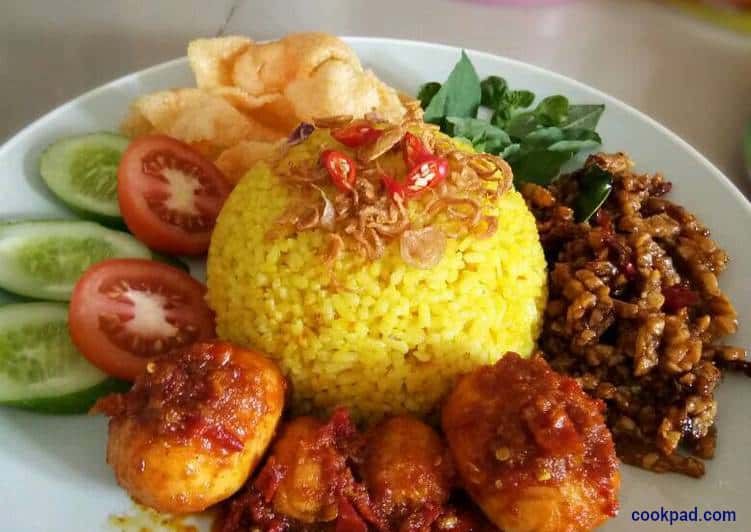 nasi kuning - Two Fish Divers